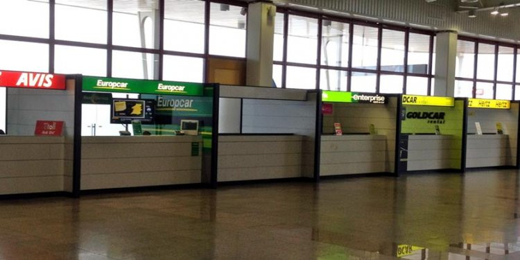 Faro airport rental car desks